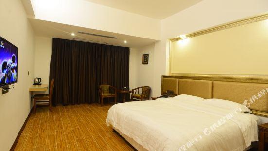 Catalyst Hotel