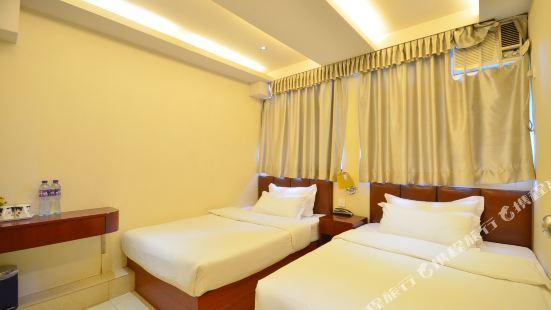 Golden Wave Hotel