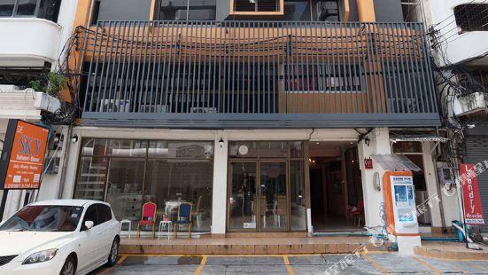 De Horizon Apartment by Favstay Bangkok