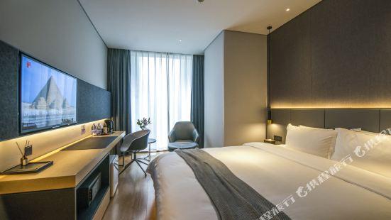 Yingshe Light Luxury Hotel