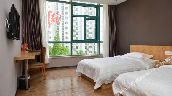 Super 8 Hotel (Chaoyang Park Dongfeng South Road)