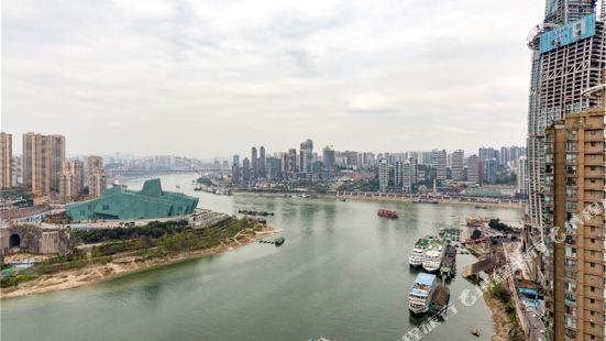 Lvmanzuo Youth Hostel (Zhongqing Hongyadong River View)