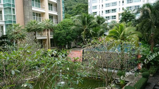 Royal Place Condo by Golf
