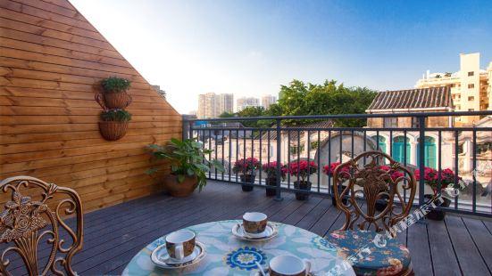 Monet Art French Qingshe Hostel