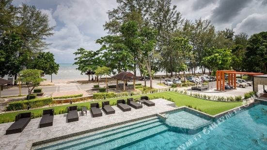 Maneetel Krabi Beachfront
