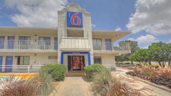 德克薩斯聖安東尼奧 - 六旗德克薩斯慶典遊樂園 6 號汽車旅館