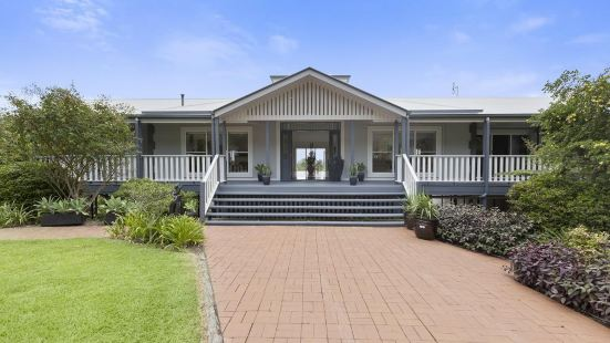 The Country House at Hunchy Montville