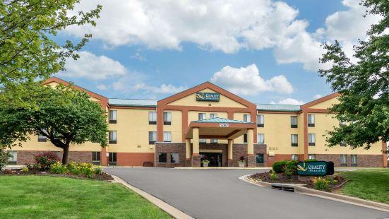 雷內克薩堪薩斯城品質套房酒店