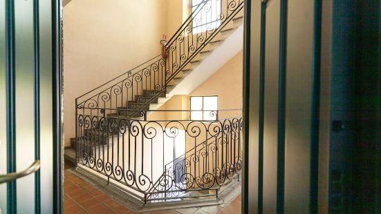 帕斯特倫戈11號意大利之路公寓