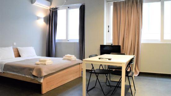 蒙納斯提拉普萊斯公寓