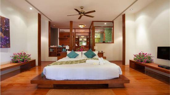 PK547 Four Beds Villa with Invincible Seascape at Phuket Surin Beach
