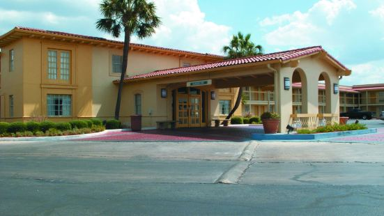 聖安東尼奧南園拉昆塔酒店