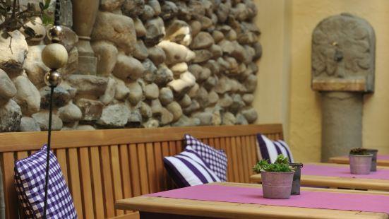 瑞茲圖本餐廳&酒店