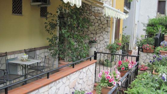 露娜家庭旅館