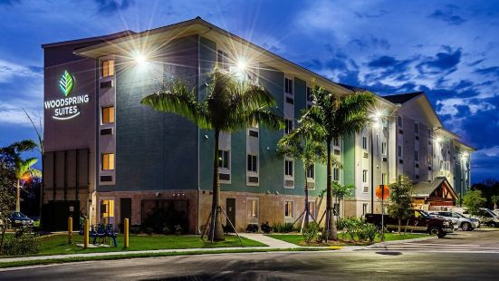 Woodspring Suites Naples