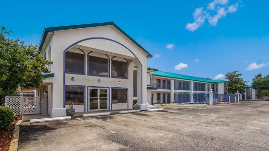 Motel 6 Pensacola - N.A.S.