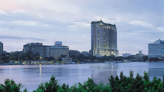포시즌스 호텔 카이로 앳 나일 플라자