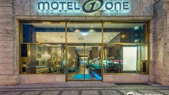 Motel One Prague-Florentinum