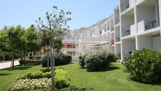 瓦拉馬爾澤翁尼米爾酒店