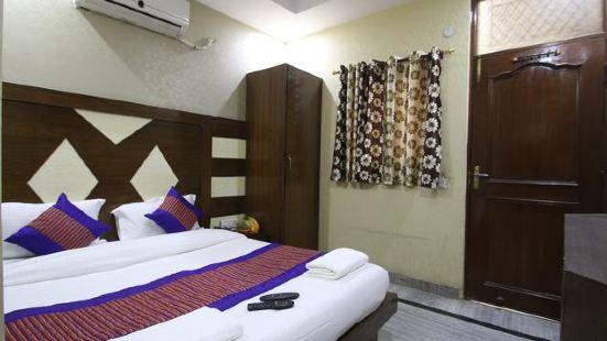 Lord Krishna Hotel DX. Inn