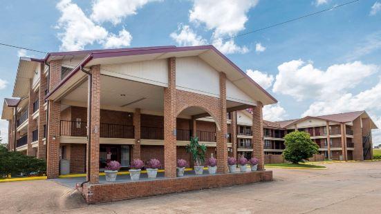伯錫爾城紅屋頂套房酒店