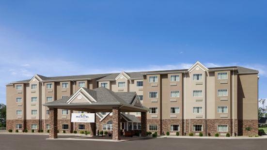 Microtel Inn & Suites - Triadelphia