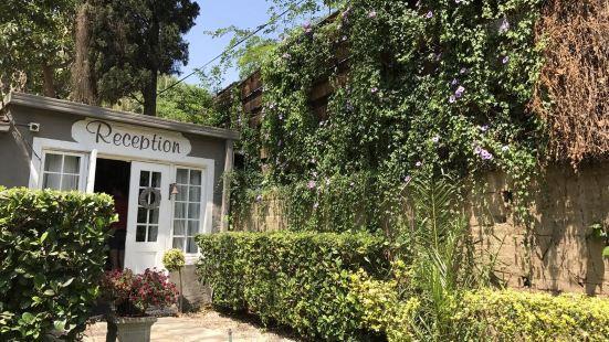 Waterhouse Guest Lodge in Muckleneuk
