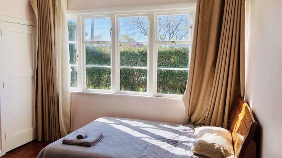 - |ARent - Serviced House - Mt Albert