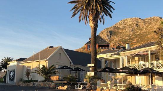 巨石灘旅舍及餐館