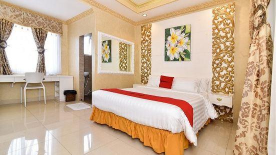 RedDoorz Plus Near Discovery Shopping Mall Bali