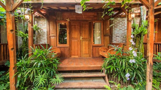 Bening Hut and Spa