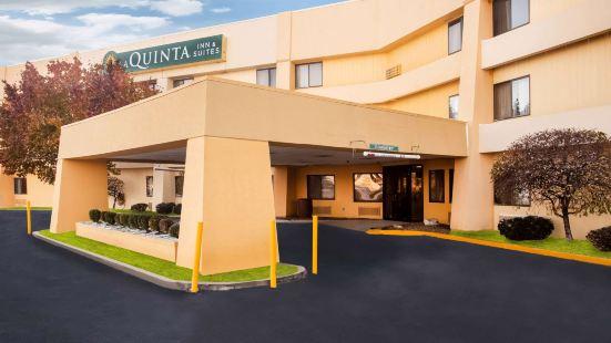 拉昆塔哥倫比亞旅館及套房酒店