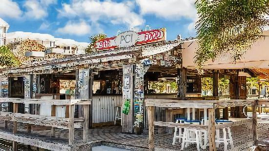 Postcard Inn on The Beach