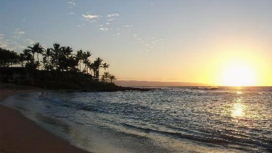 納皮裏日落海灘度假酒店