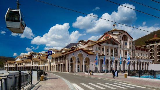 索契卡拉斯拉雅波利亞納萬怡酒店