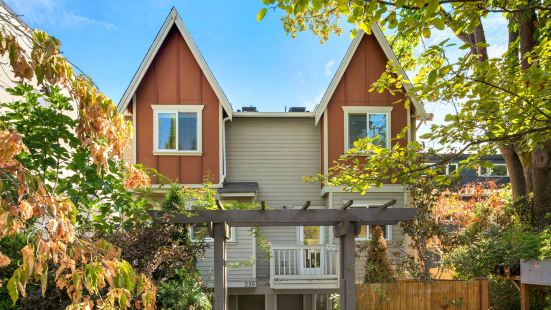 Seattle Vacation Home: Life's A Mountain