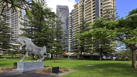 Broadbeach on The Park - We Accommodate