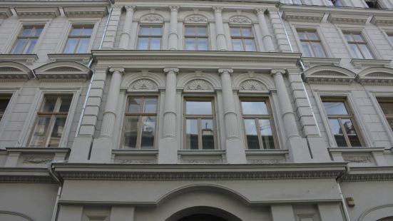富富設計公寓酒店