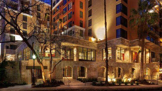 得克薩斯聖安東尼奧河濱步道希爾頓惠庭酒店