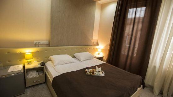 第比利塞利酒店