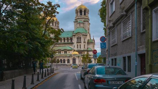 FM 經濟型開放公寓酒店 - 亞歷山大涅夫斯基主教座堂旁