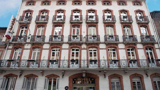 裏奇特酒店