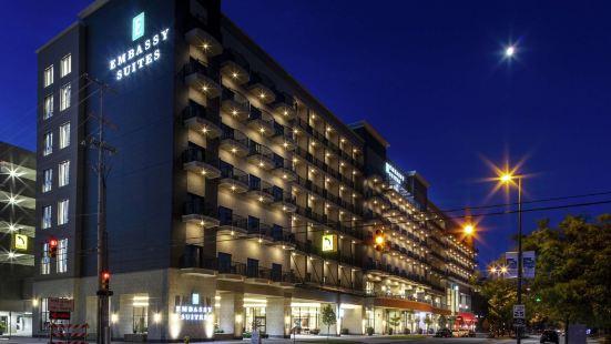 密西西比大急流城市中心希爾頓大使套房酒店