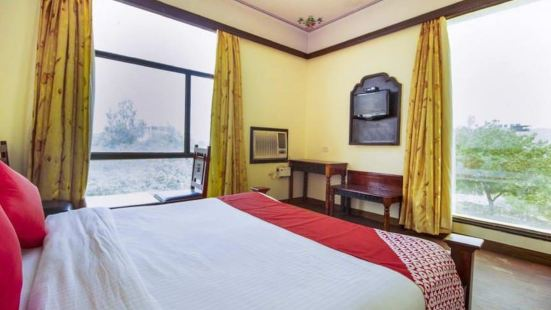 Hotel Golden Ram Vilas