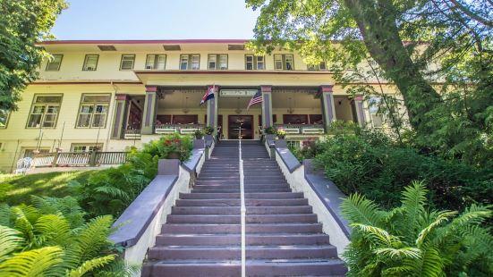 露台酒店及 1911 餐廳