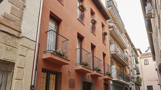 Apartamentos Caballerizas 3000