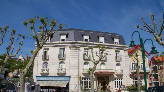 雄偉沙泰萊隆普拉格 - 拉洛歇爾之家酒店