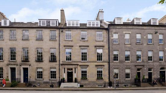 Destiny Scotland - Q-Residence
