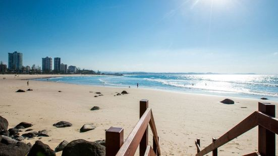 Iconic Kirra Beach Resort