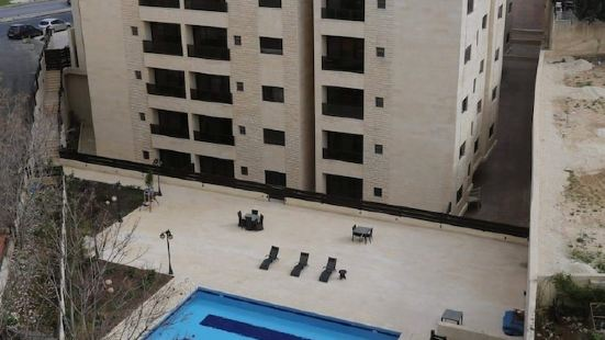Cozy Dair Ghbar Apartments